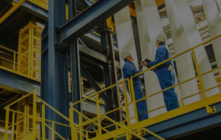 化工企业要将安全管理工作的重心放在现场,特别是组织员工采用智能bob软件下载系统进行高效bob软件下载,及时排查和处理各类事故隐患,降低安全风险